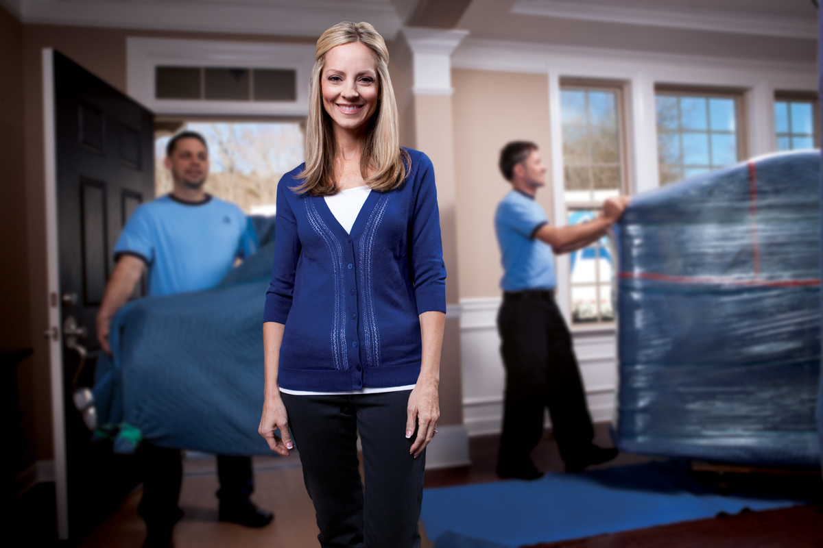 Why you should consider hiring the professional movers?