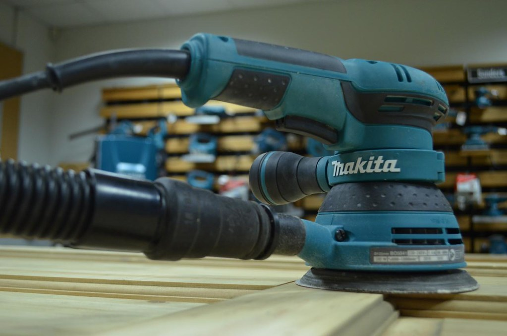 A quick glance at the top pick of Makita orbital sander