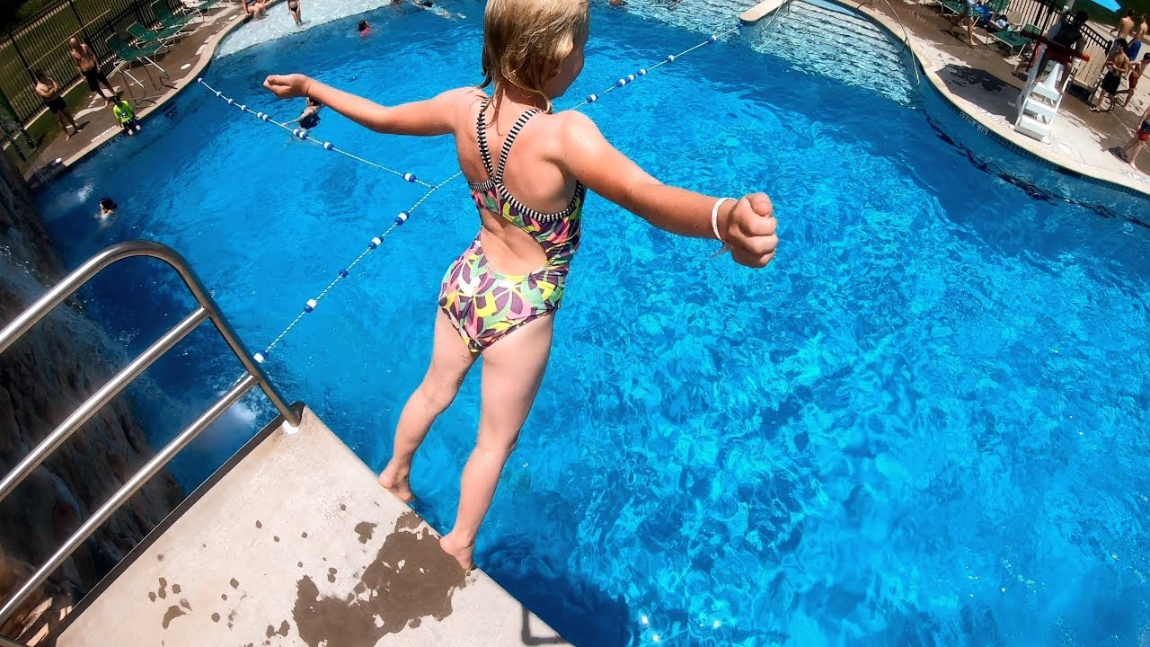 Swimming Pool Contractors Vs. Do It Yourself - Construction